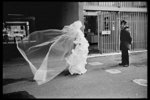 Villejuif. Cité de la rue Georges le Bigot. Paris - 1975. Copyright : Guy Le Querrec _ Magnum photos