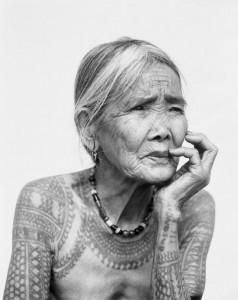 La dernière femme Kalinga tatouée - Musée du Quai Branly