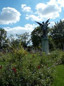 Cimetière du Montparnasse - L'ange gardien