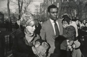 Central Park Zoo, New York 1967 - Garry Winogrand - Tirage gélatino-argentique. Collection of Randi and Bob Fisher. © The Estate of Garry Winogrand, courtesy Fraenkel Gallery, San Francisco. Photo : Don Ross